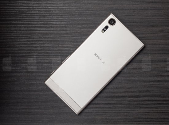 sony xperia xzs review 005