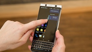 blackberry key one mercury mwc 17