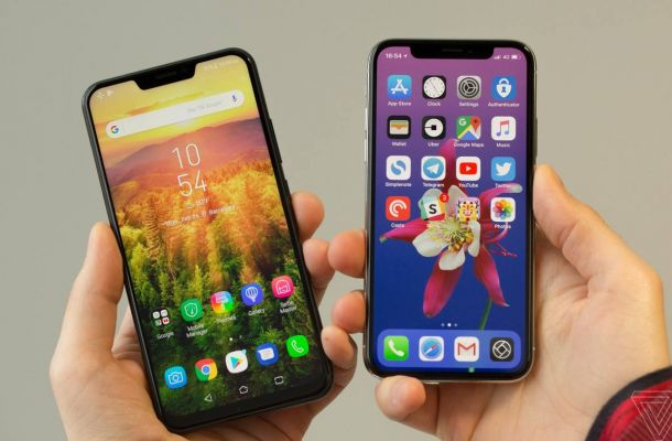 Asus ZenFone 5 vs iPhone X notch